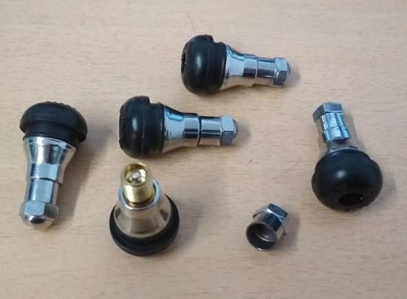 Chromovaný ventilek krátký.
